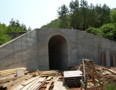 Expanding vaulted culverts